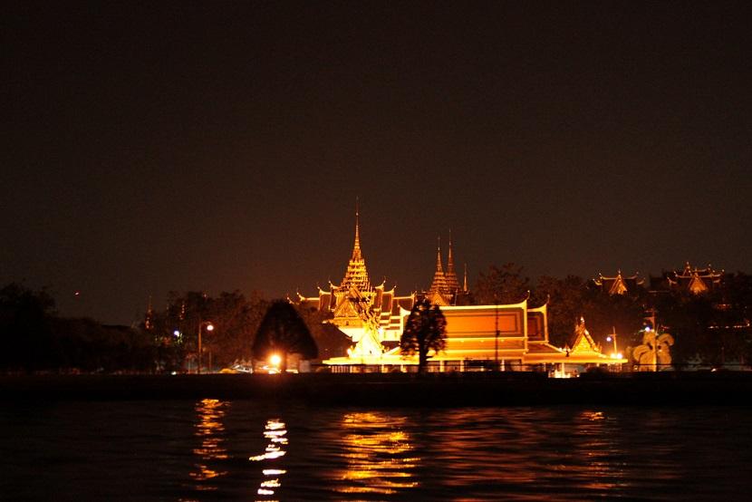 Bangkok - Der Königspalast bei Nacht